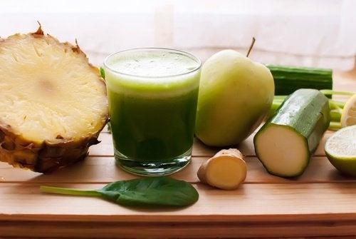 Mincissez du ventre en buvant ce detox à l'ananas