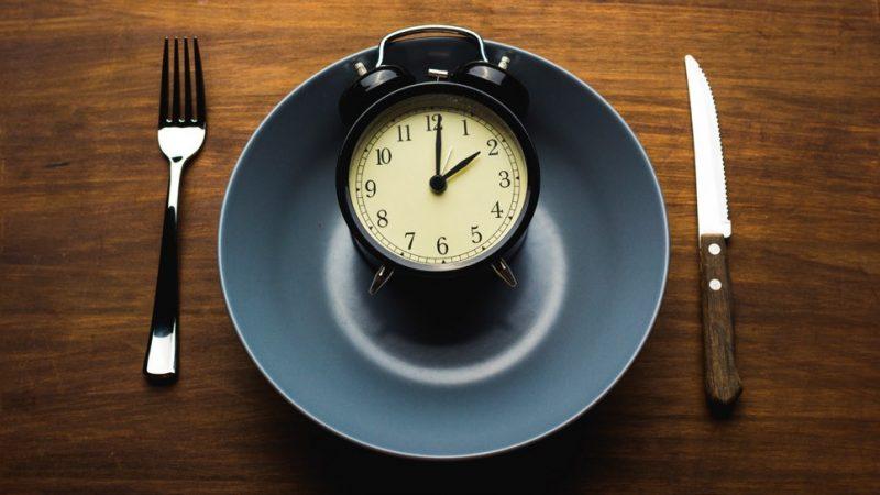 Comment réussir à manger lentement pour perdre du poids