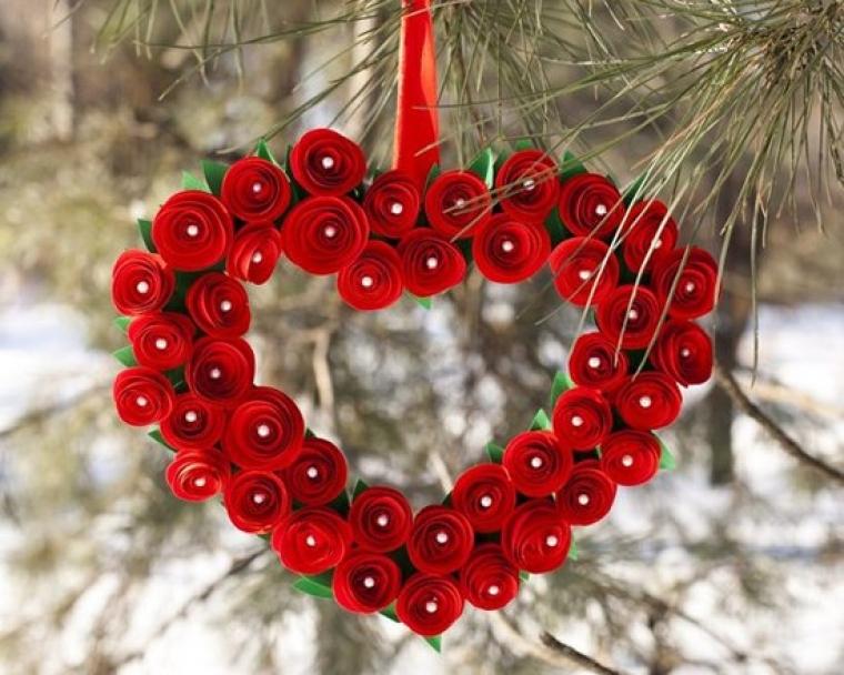 une couronne en forme de cœur pour la Saint-Valentin