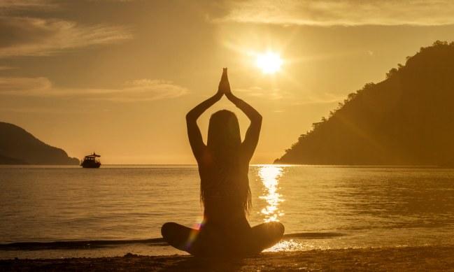 4 positions de yoga pour améliorer la concentration