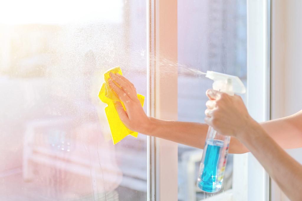Désinfecter votre maison avec de l'alcool dénaturé