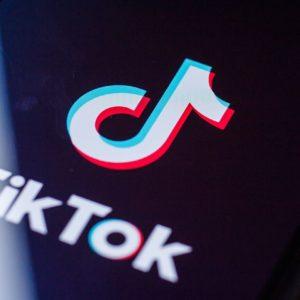 Comment avoir le mode sombre TikTok ?