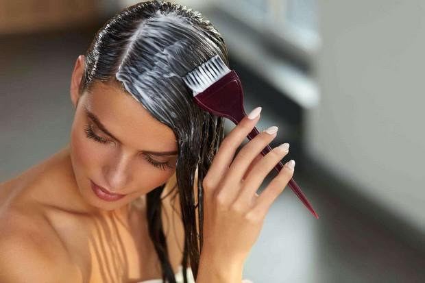 Décolorez les cheveux à la maison sans les abîmer