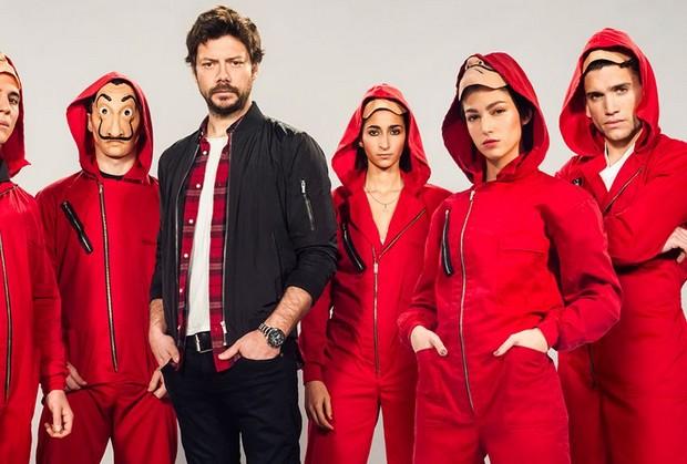 regarder la 4e saison de la série sur le professeur et son gang sur Netflix