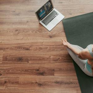 Yoga chez soi : comment faire du yoga à la maison ?