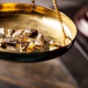 Le prix de l'or baisse alors que le dollar rebondit