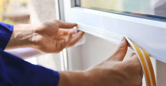 sceller les fenêtres pendant l'hiver