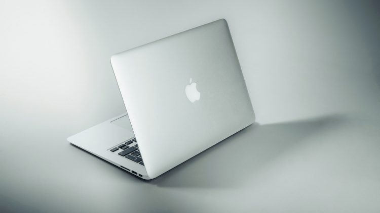 MacBook Pro 2021: le lecteur de carte SD revient ...